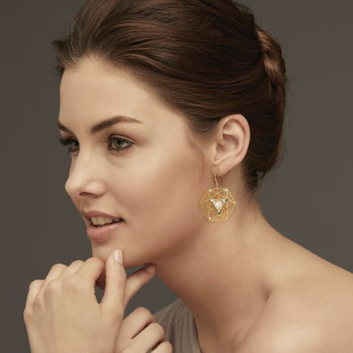 Diamond And White Pearl Earring In Yellow Gold (10.23 Gram)